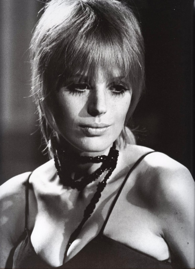 marianne faithfull love hates